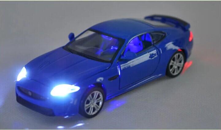 132 Alloy Car Model For Jaguar XKR-S-21