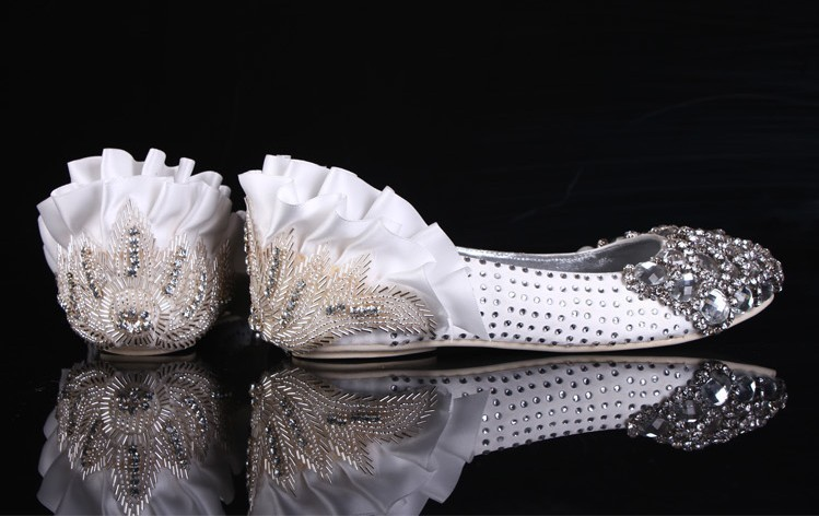 2016 Luxury Flat Heel Sparkling Crystal diamond Flat Shoes bridal shoes Romantic Dancing wedding shoes