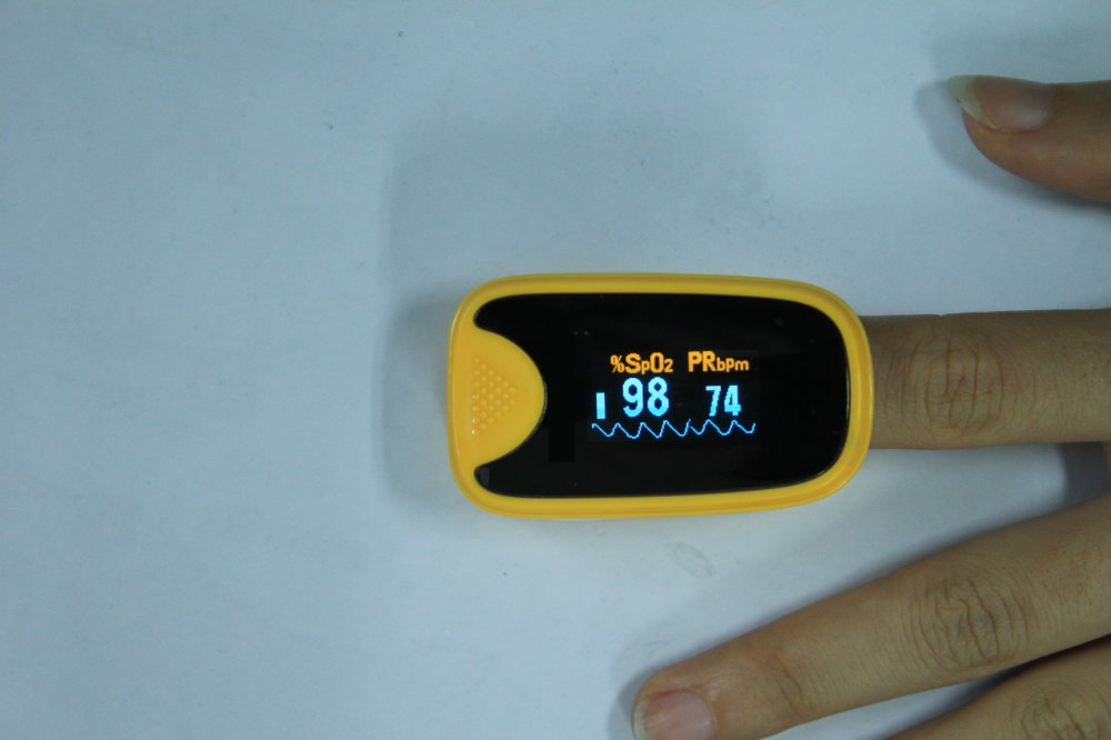 Free DHL shipping New Finger Pulse oximeter ,OLED LED screen ,SPO2 CE Auto power on(China (Mainland))