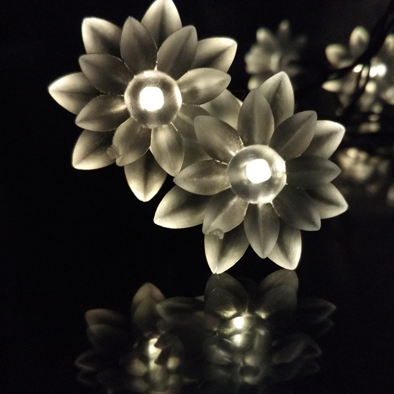 Solar Lotus Flower LED Solar Floral Fariy Strings Lights Outdoor Party Christmas/New Year/Birthday/Marry Decoration Lamp 20LED(China (Mainland))