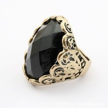 Personality Pirate Captain Jack Black Oval Gem Stone Rings Retro Jet Crystal Ring For Women Men(China (Mainland))