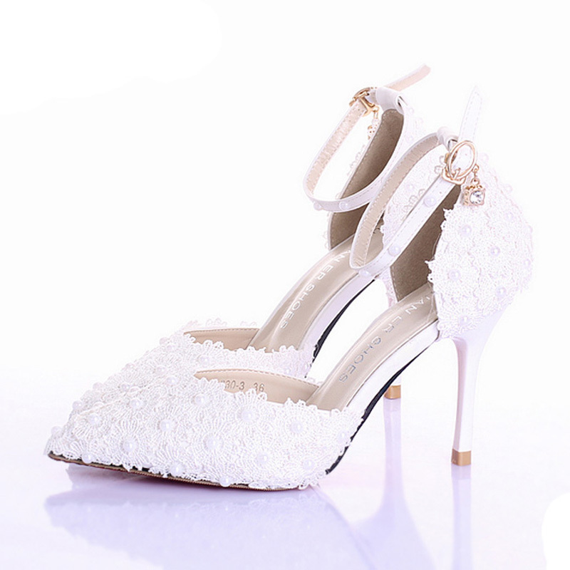 What color wedding shoes with ivory dress | Your wedding helpers