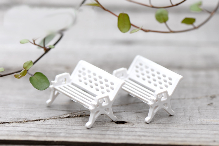 Fairy Garden Ornament Decoration Resin Crafts DIY Bonsai Terrarium Figurines Mini Garden Accessories 2pcs Mini White Chair(China (Mainland))