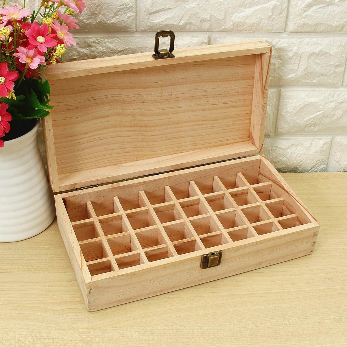Essential Oils Wooden Box 32 Holes 5ml Or 10ml Bottles SPA YOGA Club Aromatherapy Natural Pine Wood Without Paint(China (Mainland))