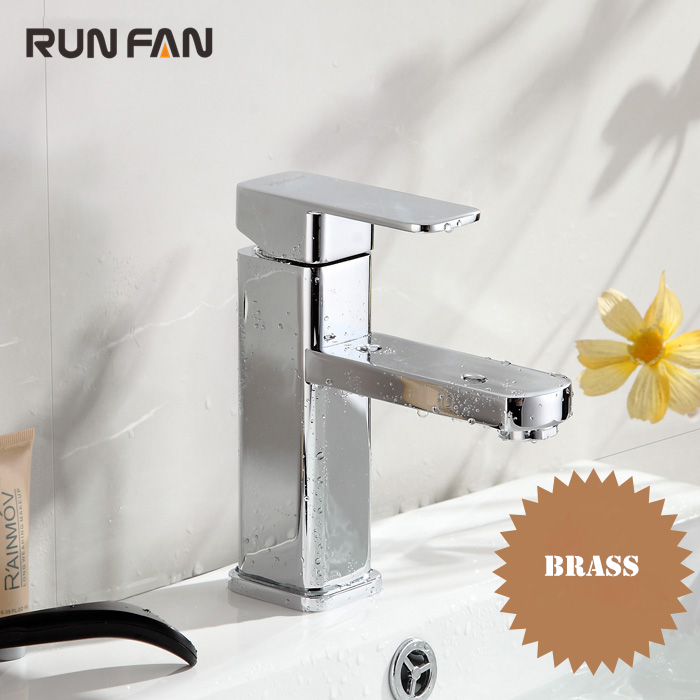 100%Brass Single Lever Bathroom Basin Faucet Chrome Finish Hot&Cold Water Mixer Tap Single Handle Single Hole 2 Hose Toilet Sink