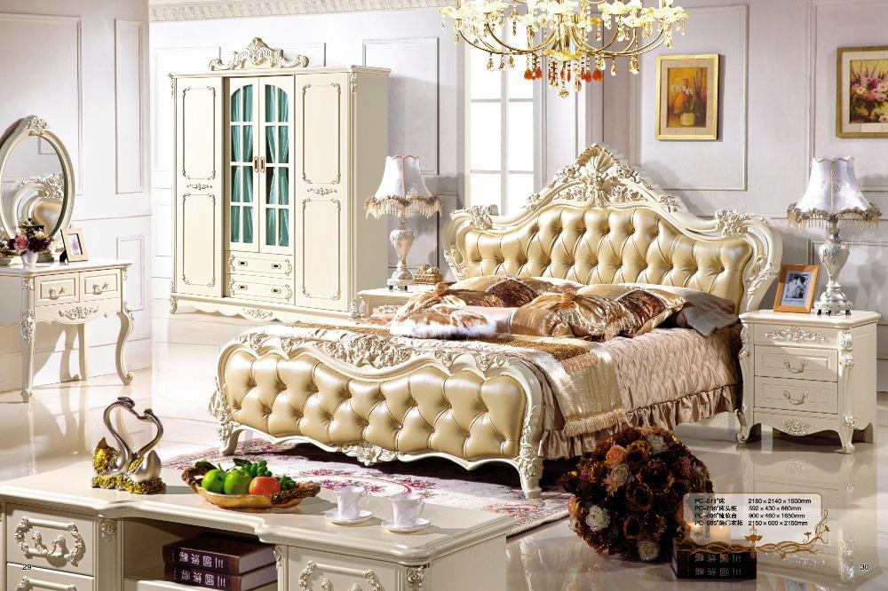 Camere Da Letto Stile Parigino: Blu e bianco camera da letto in ...
