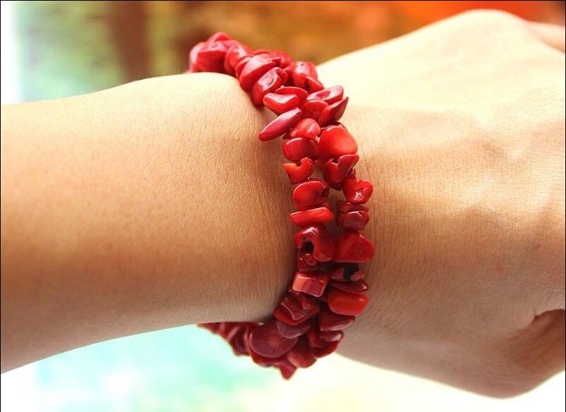 Red Women Bracelet Coral Chips Stone Stretchy Bracelet Bangle Steel Handmade Fashion Jewelry(China (Mainland))
