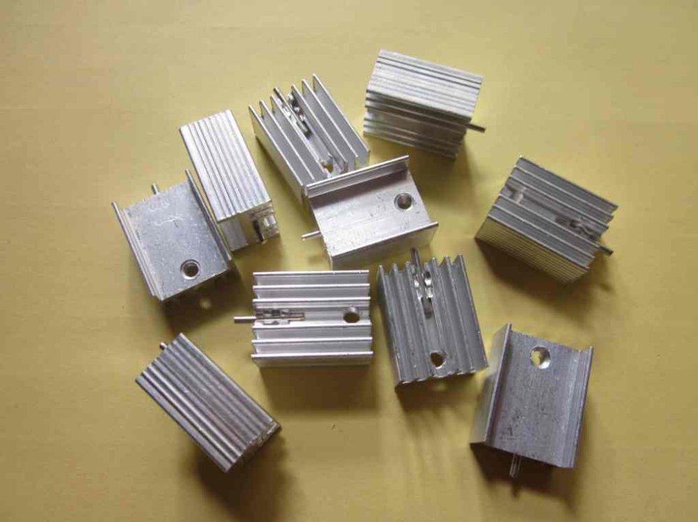 100pcs 21*15*10mm Aluminum Heatsink Radiator Heat Sink for TO-220 TO220 7805 7812