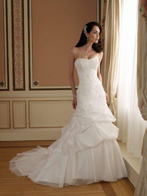 cascading ruffle classic wedding dresses Lace 2012