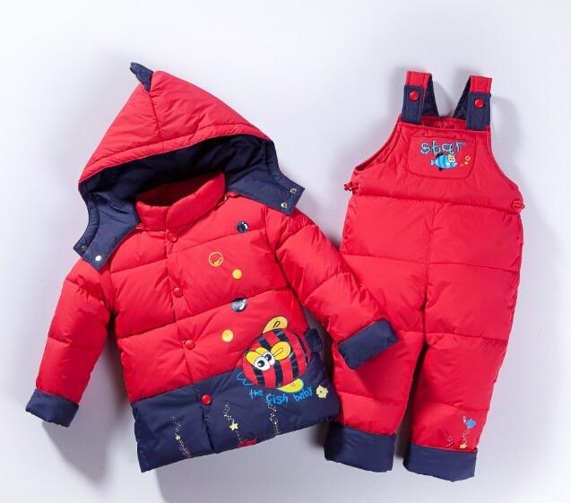 Скидки на Ребенок Дети мальчики девочки зима теплая пуховая куртка костюм комплект толстые пальто + комбинезон детская одежда набор детей куртка животное Лошадь рыбы A1