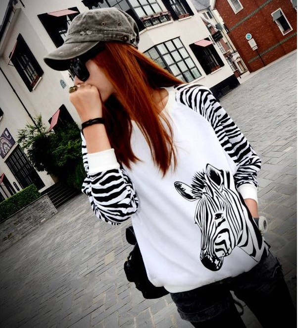 Free Shipping Hot Sale High Quality 2015 Autumn Couture T shirt Loose Bat Sleeve Splicing Zebra Long Sleeved T shirt 1389(China (Mainland))
