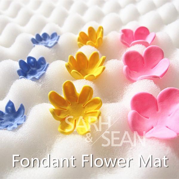 T0038 fondant cake tools fondant flower shaping sponge pad cake molds for the kitchen baking cake decorating(China (Mainland))