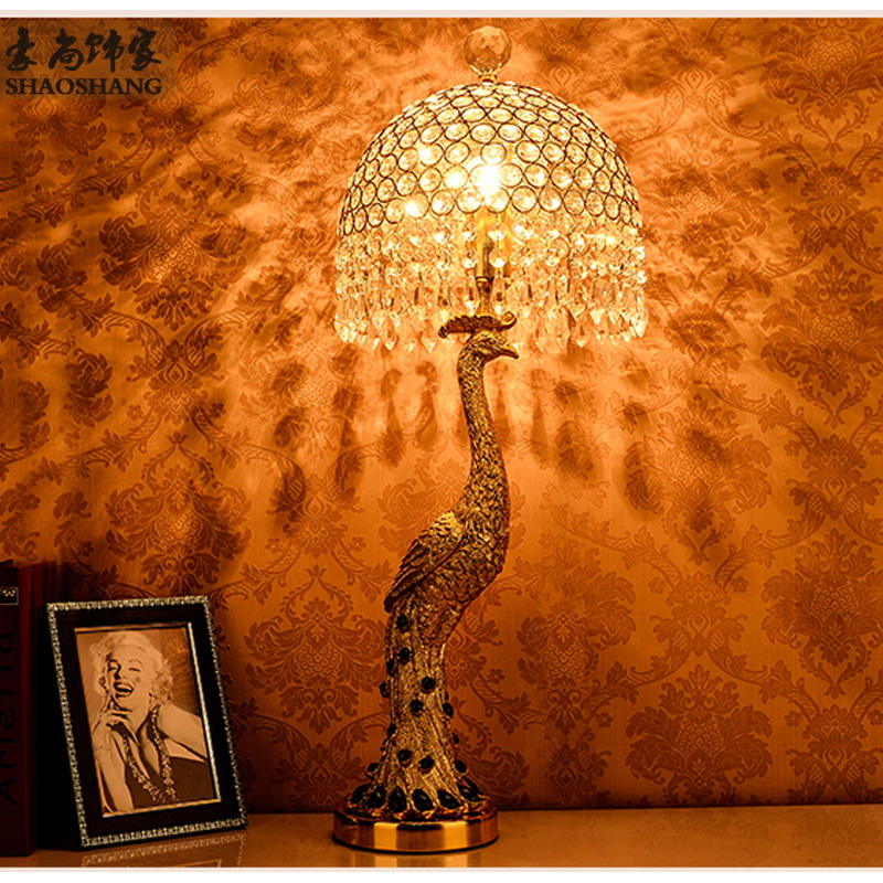 Fashion Peacock crystal rezin table lamp bedroom bedside lamp e27(China (Mainland))