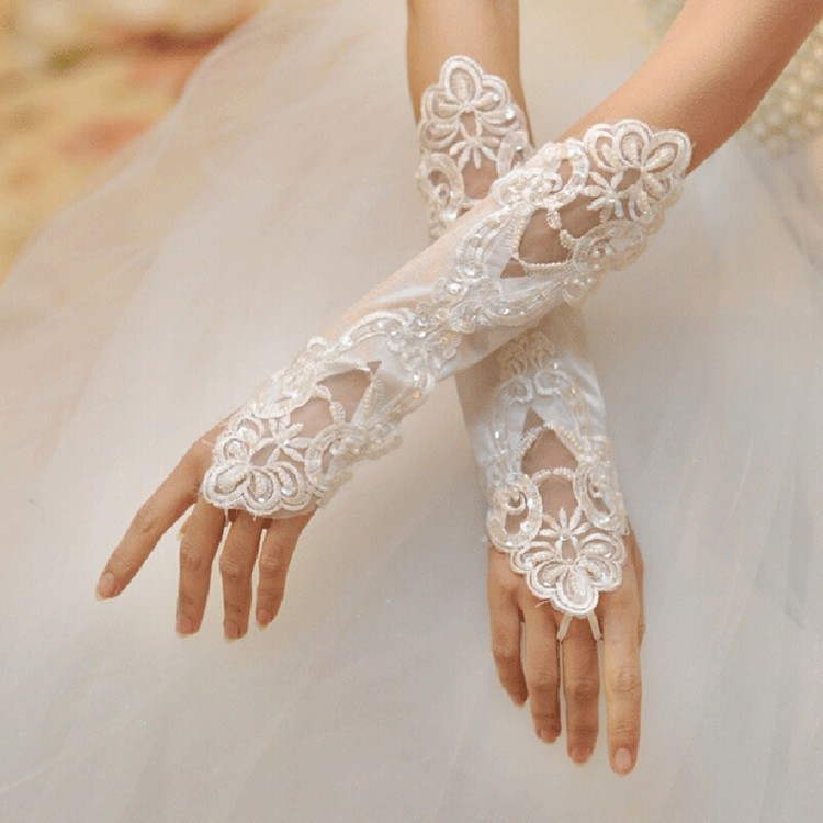 Free Size WhiteIvoryRedBlack Fingerless Lace Sequins Short Bridal Wedding Gloves Cheap Price Free Shipping Wholesale