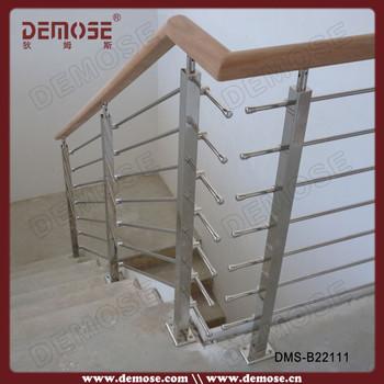 bois rond rampes d 39 escalier bois escalier en c ramique. Black Bedroom Furniture Sets. Home Design Ideas