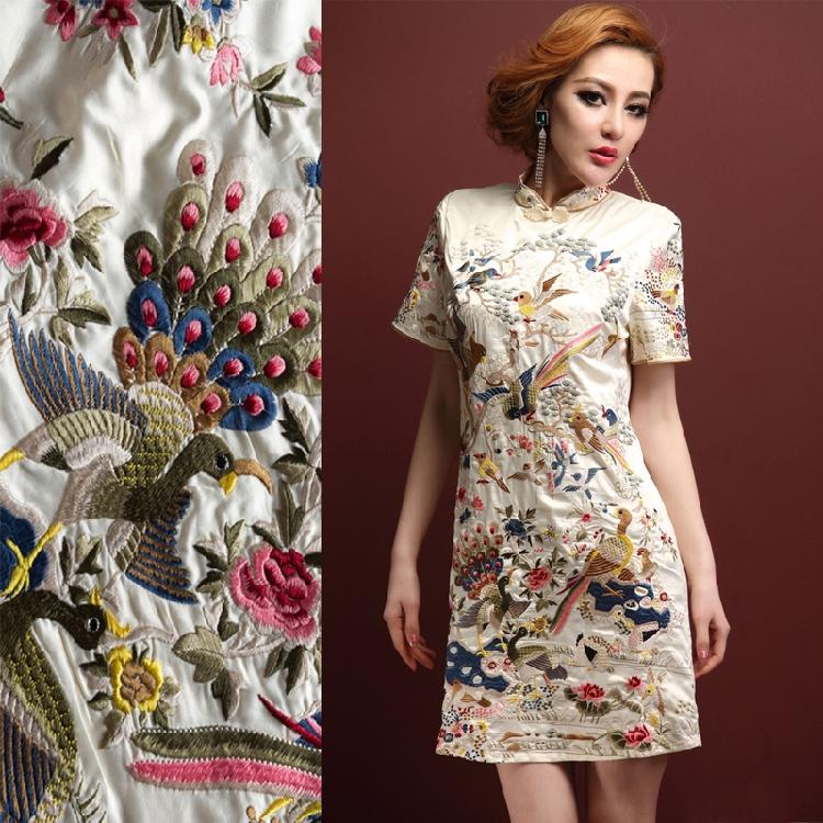 Шелк с вышивкой платья 117