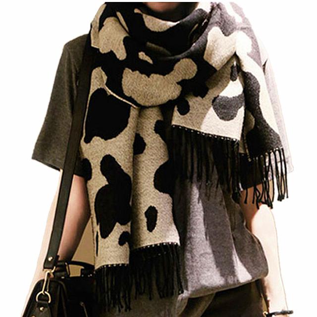 2016 новое поступление зима мода женщин евро черный белый цвет молочного скота корова кистями длинный шарф