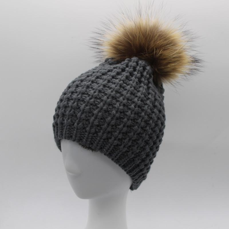 2016 New Winter Beanies 100% Raccoon Fur ball Hat Women Skullies Fur Pom poms Hats Warm Knitted Cap(China (Mainland))