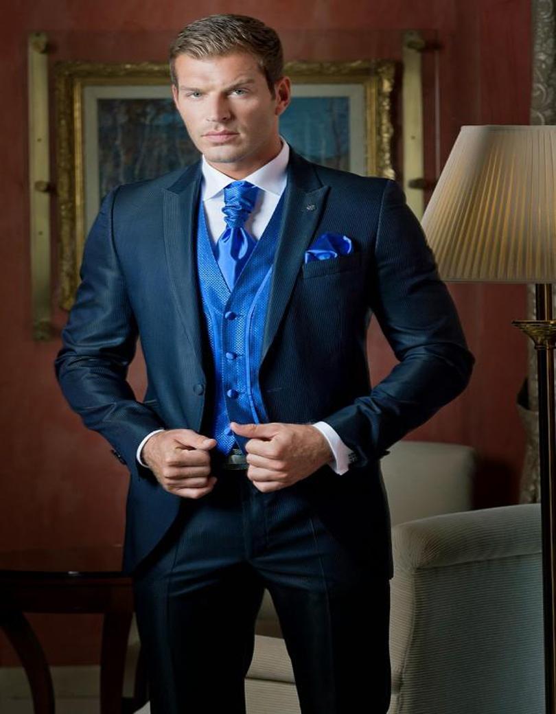 Здесь можно купить  2016 New Arrival Custom made Linen Men Suits Notched Lapel Tuxedos Mens Wedding Suits Two Button Grooms Suits (jacket+pants)  Одежда и аксессуары