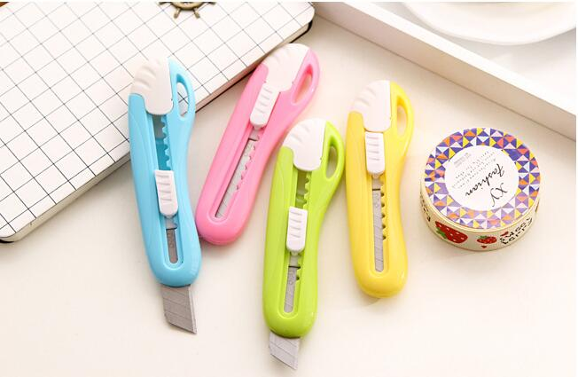 4 Colors Fashion Candy Color Alloy Steel Utility Knife Students' Paper Envelope Art Knife DIY Tool Superstar Quality(China (Mainland))