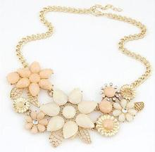 new flower necklace charm rhinestone necklace&pendant Valentine's Day gift Chain Choker Bib Statement Necklace For Women SY962(China (Mainland))