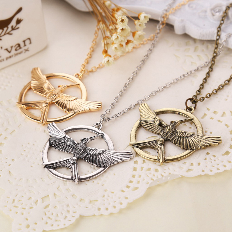 New States The Latest Blockbuster Movie The Hunger Games 3: Xinghuoliaoyuan Parrot Ridicule Bird Necklace(China (Mainland))