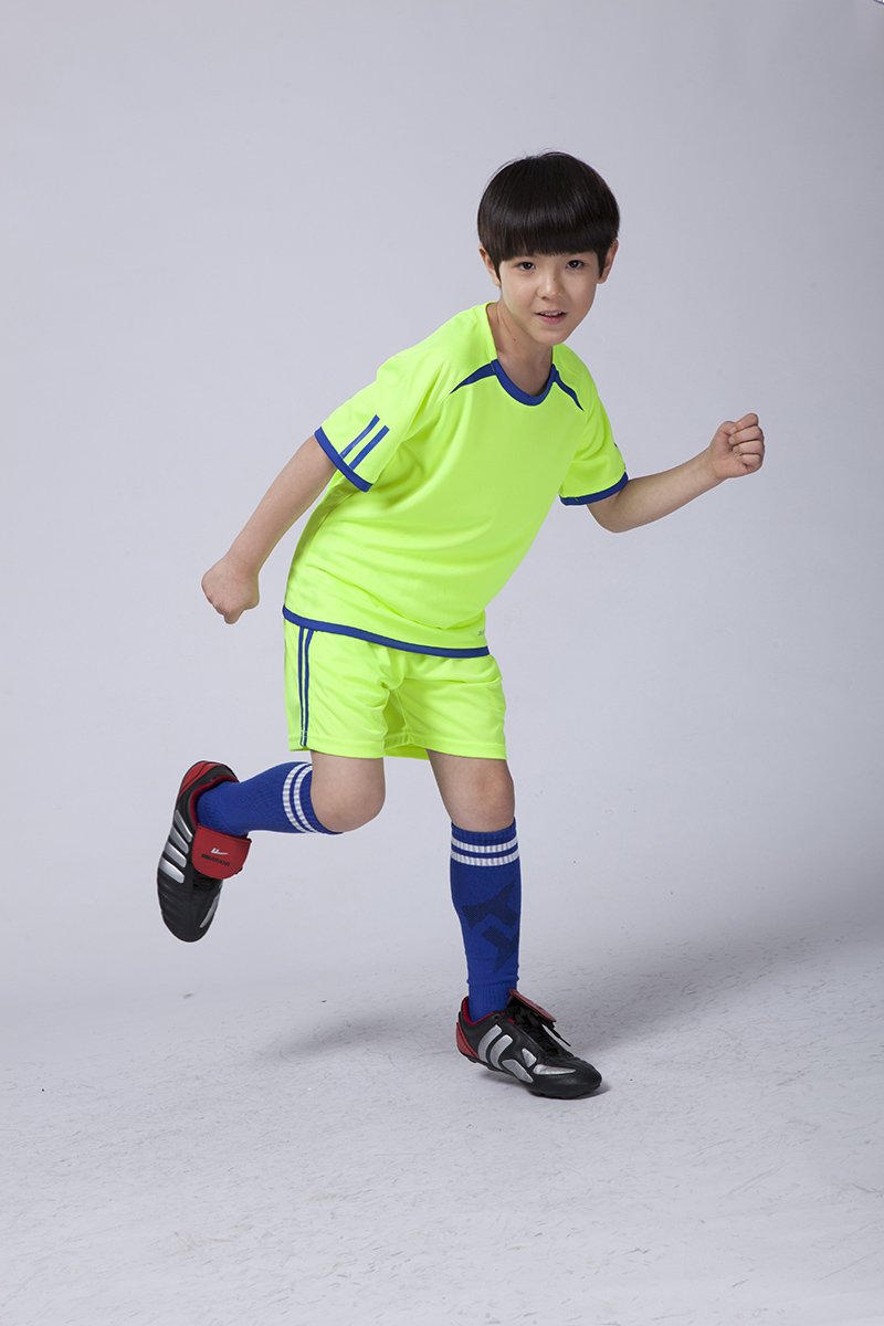 kids Wholesale Paintless short sleeve length soccer jersey boys personalized blank jersey football jersey uniforms free shipping(China (Mainland))