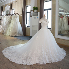 SL-100 Arab Bridal Gown Modest Vintage Muslim Wedding Dress with Sleeves Lace Ball Gown 2017(China (Mainland))