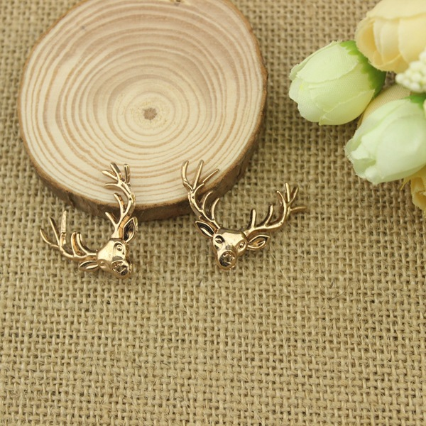 2 pcs Golden Deer Brooch Buckle Cute Elk Shirt Collar Clip Fashion Jewelry Brooch Best Gifts X1547(China (Mainland))