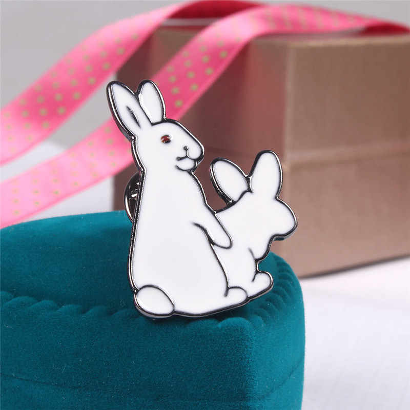 2017 New Cute Cartoon Enamel Metal Bolts Pins Badge Fashion Charm Rubbit Pins Jewelry For Women Gift Wholesale Rabbit Brooches(China (Mainland))