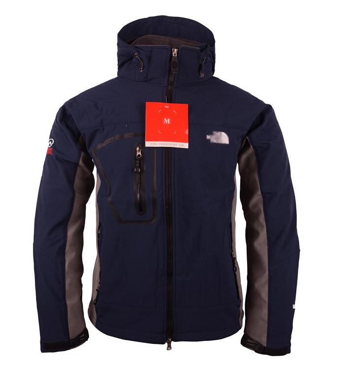 2015 New Men's Sportswear SoftShell Jackets,Outwear Windproof Waterproof windbreaker,Sport suit Thick Winter coats Men Fleece.(China (Mainland))