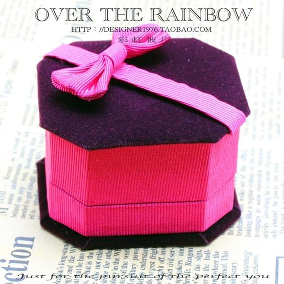 Quality velvet lovers ring wedding ring box