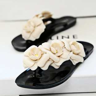 2015 New Summer Hot Women Sandals With Beautiful Camellia Flower Sweet Flip Flops Female Drag Black White Pink Green<br><br>Aliexpress