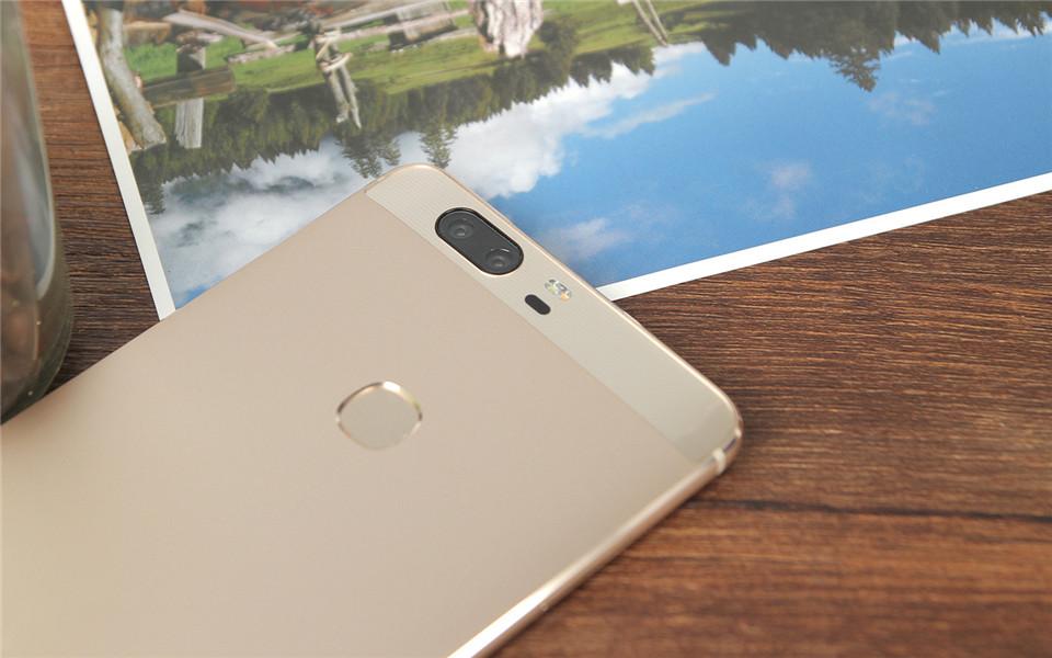 Huawei Honor V8 Dual 12.0MP Camera 2K 1920*1080 Screen 5.7″ Octa Core Smartphone Kirin 950 4GB RAM 32G/64G Fingerprint IR Remote