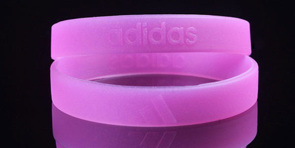 10 pcs/lot funny silicone bangles the Fluorescence silicone wristband beautiful in the night(China (Mainland))