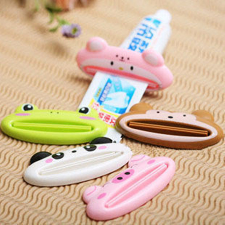 1 PCS Cartoon Toothpaste Squeezer, Tube Rolling Holder Squeezer Easy Toothpaste Dispenser, Bathroom Sets(China (Mainland))