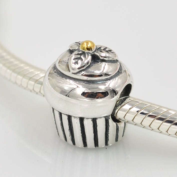 1 pcs free shipping 925 sterling silver cupcake charm