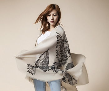 Free Shipping! 2015 New Winter! Fashionable Essential Life Drawing Flying Bird Women scarf shawl,L-146