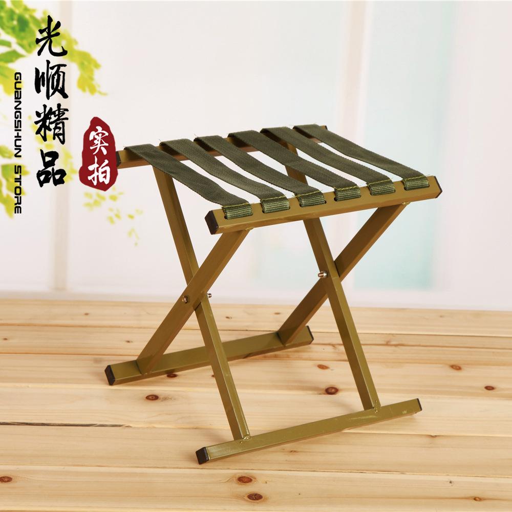 Складной деревянный стульчик на рыбалку