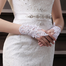 Luvas De Noiva High Quality New 2015 Flowers White Bridal Gloves Fingerless Rhinestone Satin Lace Wedding Party Prom Wrist Glove(China (Mainland))