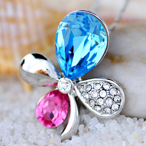 Four leaf clover necklace crystal pendant accessories female short design chain fashion(China (Mainland))