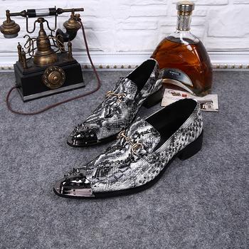 Горячая распродажа новое поступление из натуральной кожи острым металлический наконечник шипы змеиной туфли-пряжка мужские мокасины мода мужской обуви
