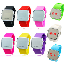 Hot fashion classic jelly silicone sports men and women students LED watch children watch the boys and girls
