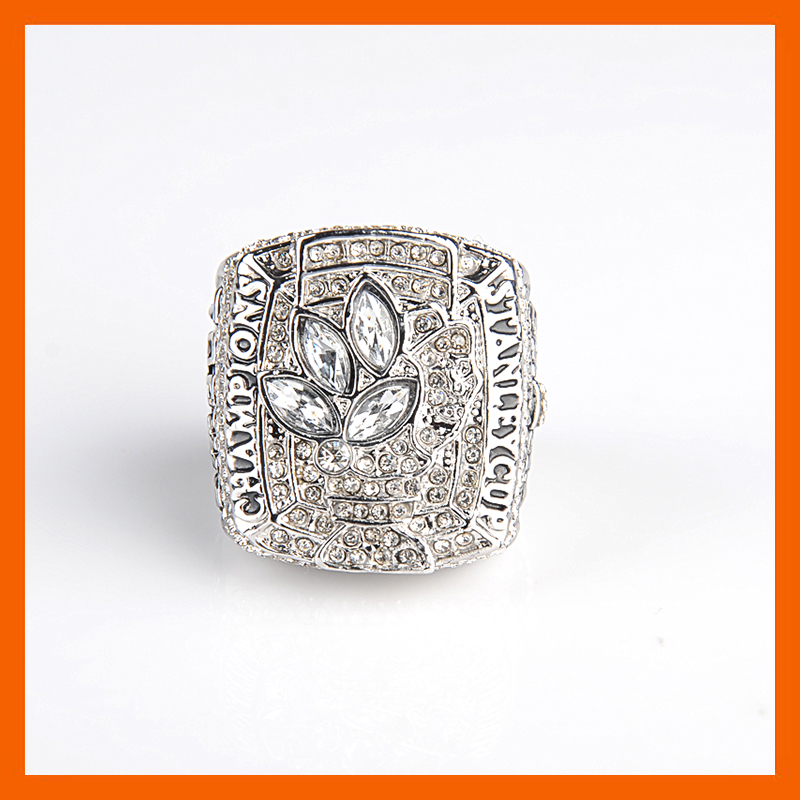 Bottom Price for 2010 Replica Ice Hockey Chicago Black Hawk Championship Ring for Fans(China (Mainland))