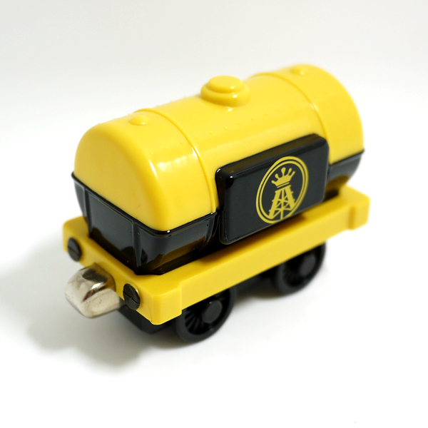 x064 Diecast magnetic Thomas and friends jet fuel tanker alloy tank locomotive children Track Toys- Black yellow truck(China (Mainland))