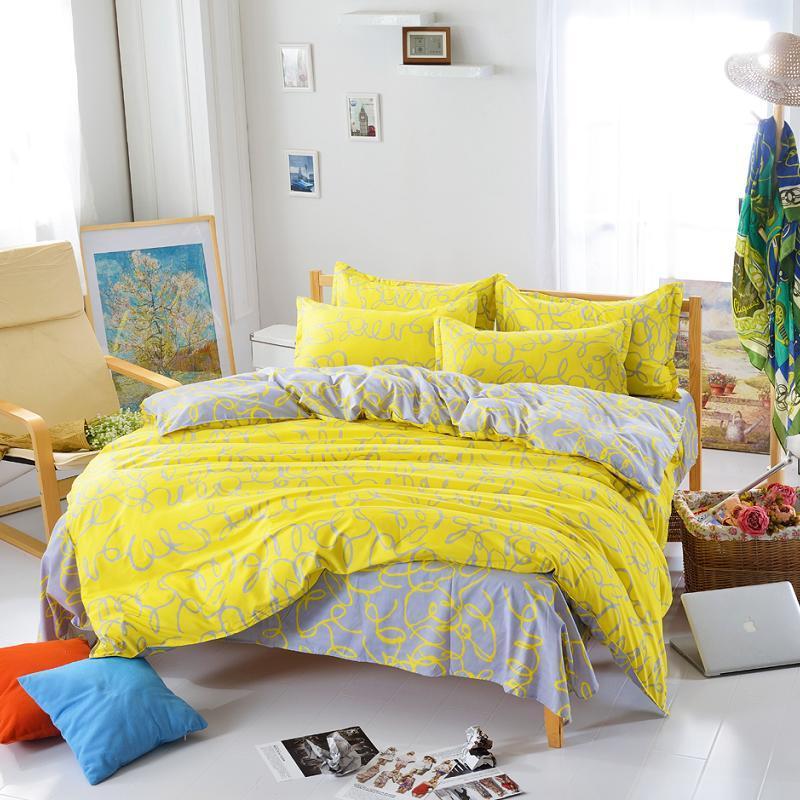 achetez en gros jaune couette reine en ligne des grossistes jaune couette reine chinois. Black Bedroom Furniture Sets. Home Design Ideas