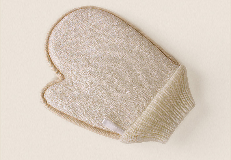 23cm*17cm Double-sided Natural Loofah Sponge & Bamboo Fiber Exfoliating Skid Bath Glove Scrubbing Gloves Bath Sponge Can be hung(China (Mainland))