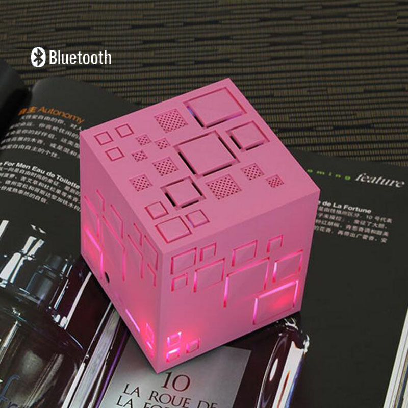Q + Bright Light Cube Wireless Bluetooth Speaker mini phone card small stereo subwoofer new free shipping(China (Mainland))