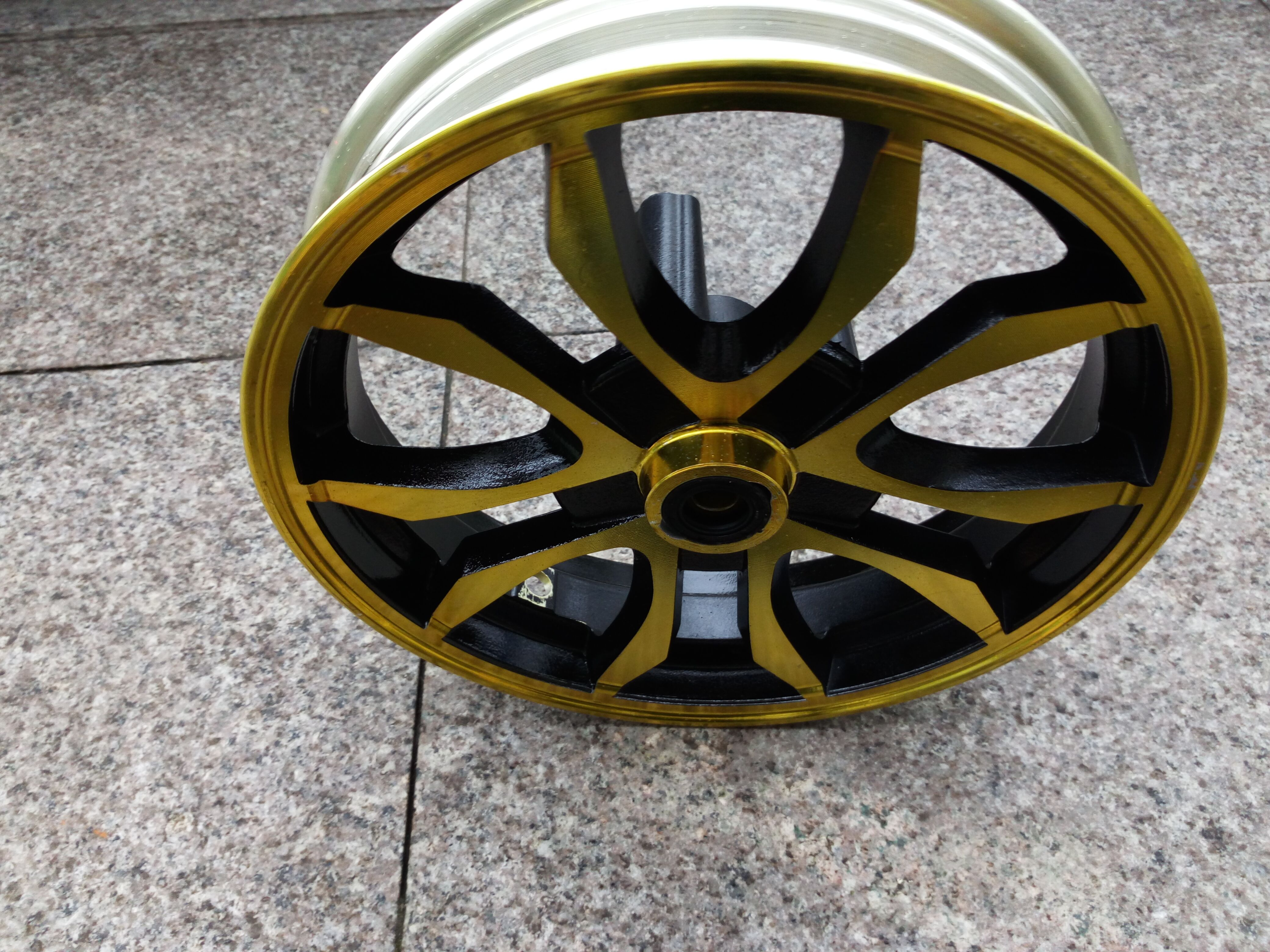 Car wheel hub 10 inch aluminum Market installation hole 12220(China (Mainland))