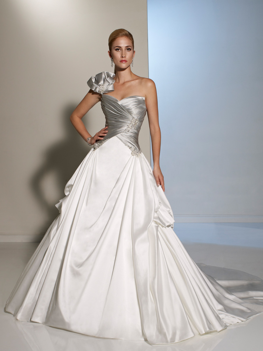 High Fashion Elegant Women Wedding Dresses Made In China
